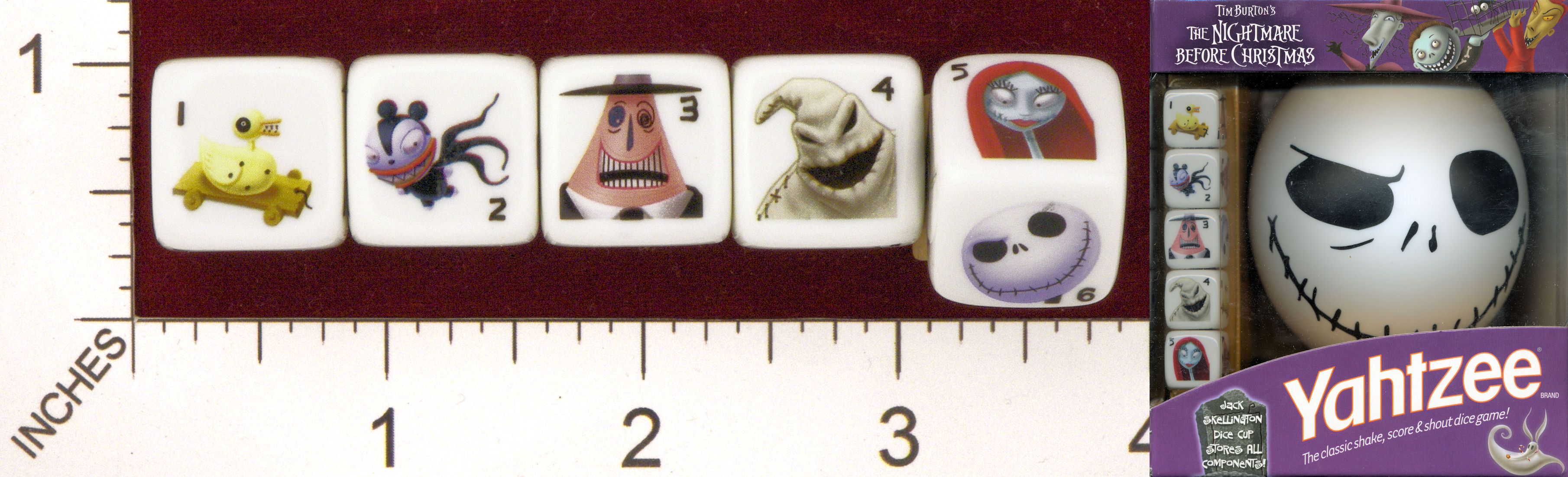 MINT21_USAOPOLY_TIM_BURTONS_NIGHTMARE_BEFORE_CHRISTMAS_YAHTZEE.jpg