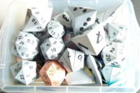 Dice : CONTAINERS PAPER
